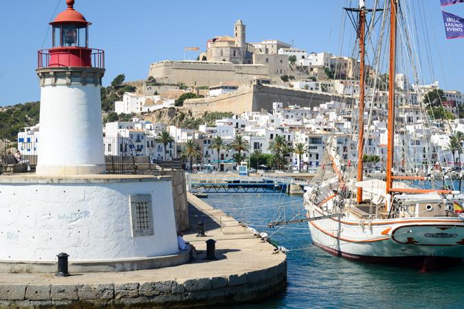 Ibiza, Casa Rural Rocaviva y Apartamentos Marina Turquesa reciben el Sello de Turismo Familiar