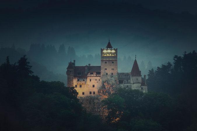 Pasa una noche de Halloween terrorífica en el Castillo del Conde Drácula