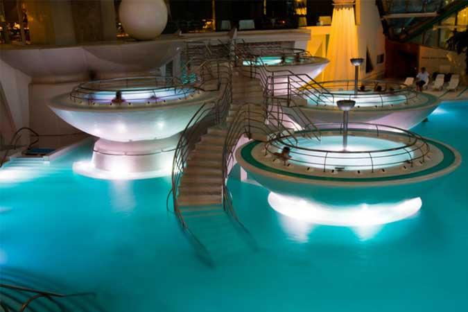 Apartamentos 3000: 2 noches + balneario Caldea, desde 69 €/persona