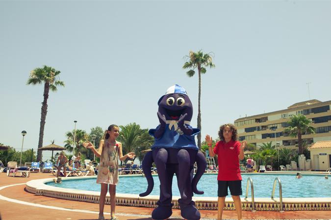 Hotel Playas de Torrevieja: 10% de descuento, primer niño gratis y el resto al 50%